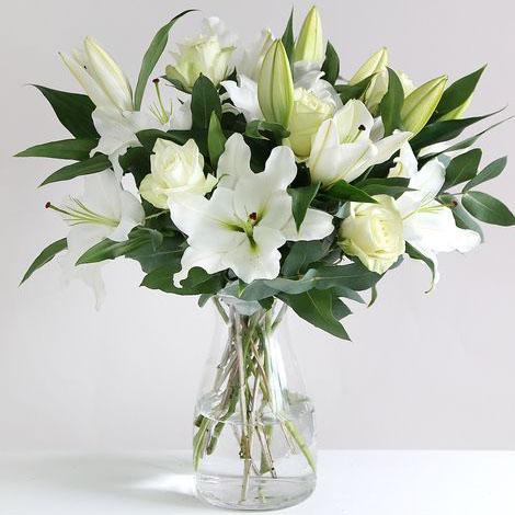 Mazzo di fiori bianchi